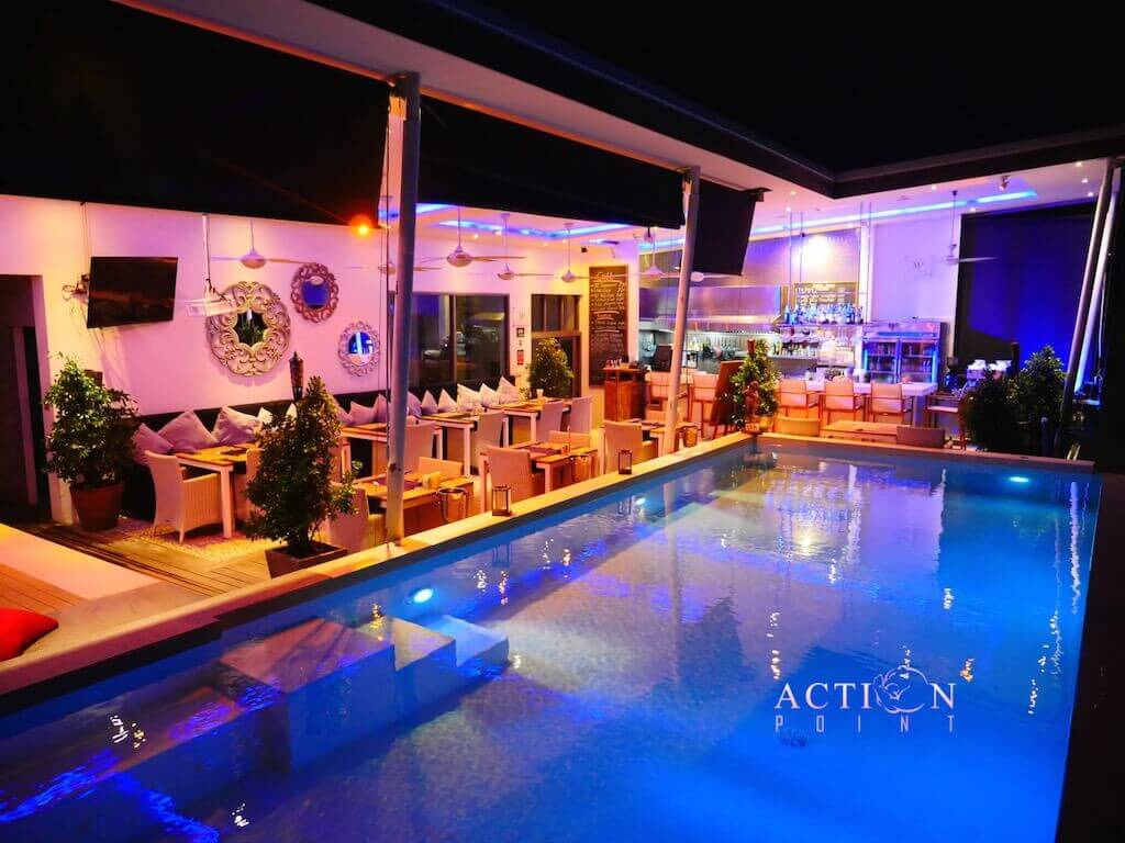 phuket pool restaurant