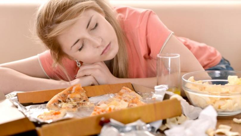7 Signs You're Overeating and How to Get Back on Track